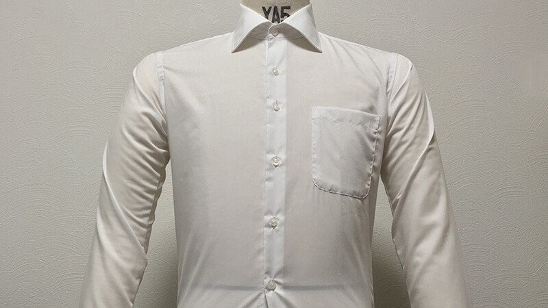 SUIT SELECTの形態安定シャツを天日吊り干しで乾燥