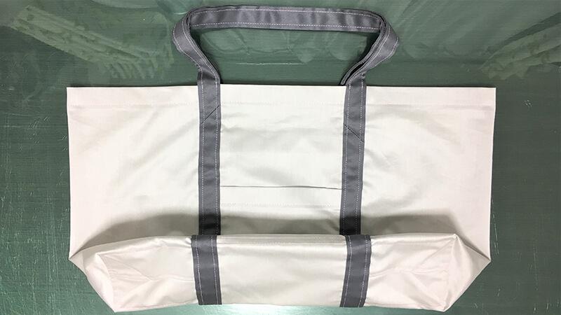 A3ショップバッグの持ち手部分のステッチ写真1
