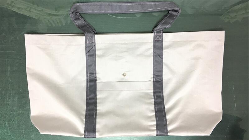 A3ショップバッグのスナップ付け写真1