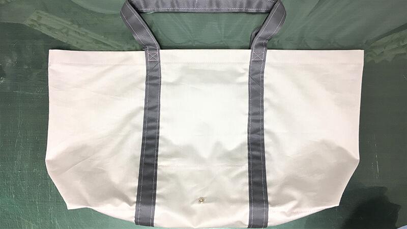 A3ショップバッグのスナップ付け写真2