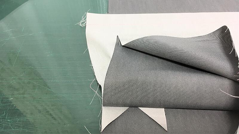 A3ショップバッグの内ポケット縫い付けの写真4