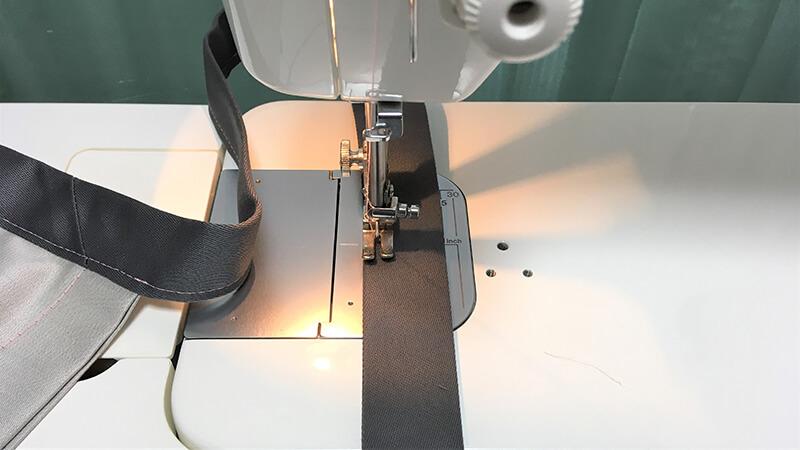 A3ショップバッグの持ち手縫い付けの写真3
