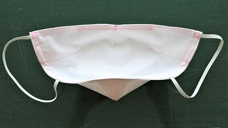 シンプルダーツマスクの仕上げ縫い2